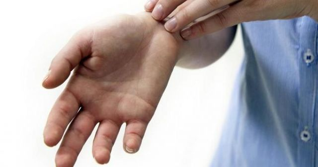 Сыпь на ладонях: высыпания в виде пузырьков, лечение