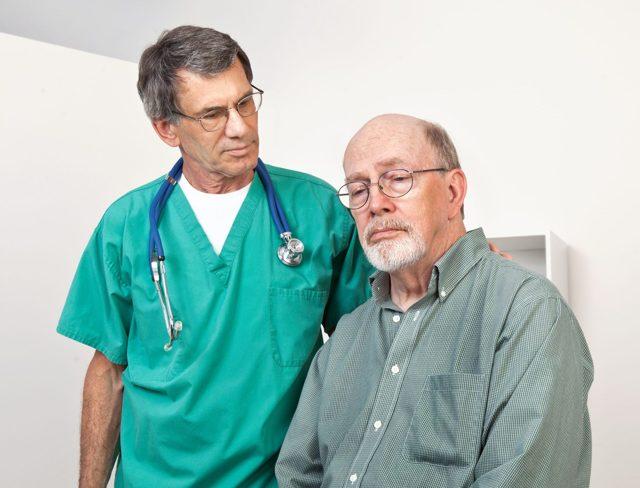 Водянка яичка у мужчин: фото, лечение мошонки, МКБ, причины, видео