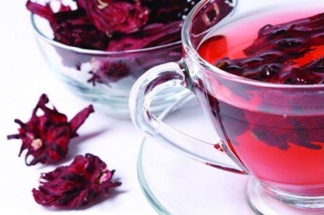 Чай каркаде повышает или понижает давление: свойства, действие и влияние на артериальное давление