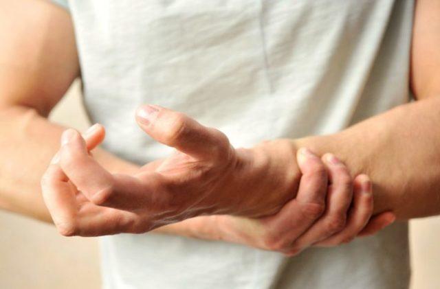 Почему нейтрофилы в крови понижены: причины, как повысить