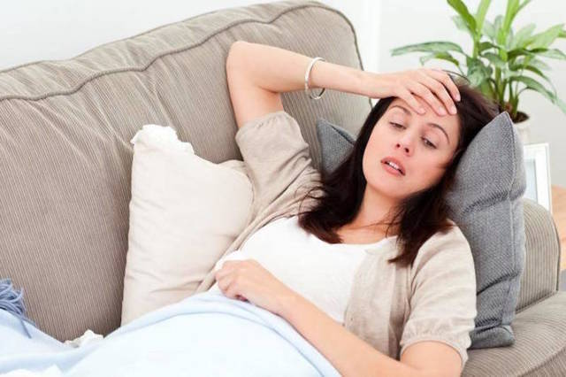 Понос с кровью у взрослого: причины диареи и рвоты с кровью
