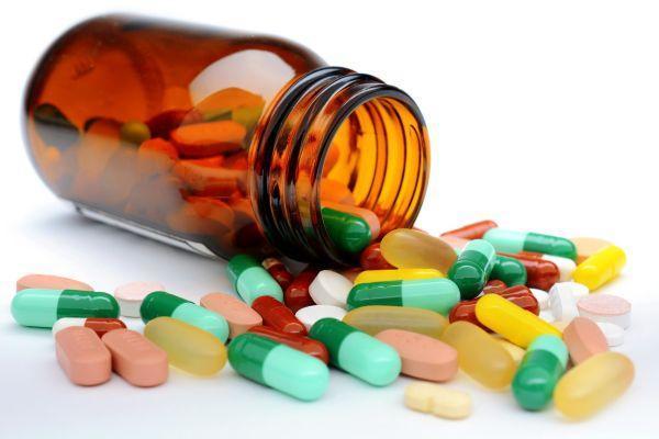 Как укрепить сосуды головного мозга: препаратами и народными средствами