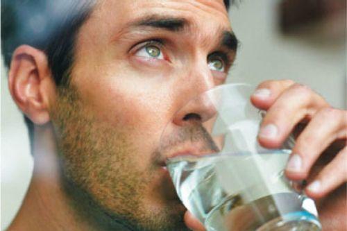 Резкий запах мочи у мужчин: причины почему моча пахнет рыбой?