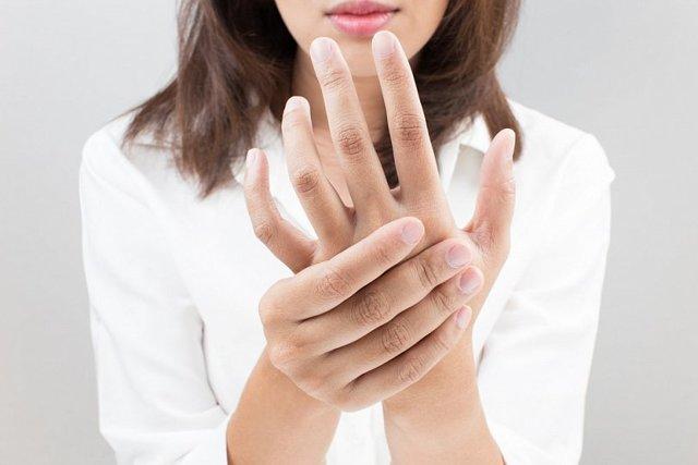 Противоаллергическая мазь от аллергии на коже и руках у взрослых