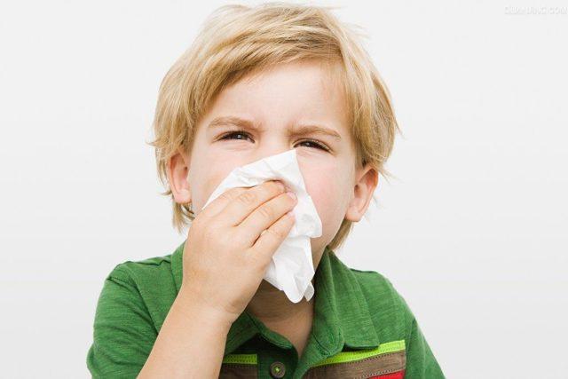 Респираторный аллергоз: симптомы и лучшие методы лечения